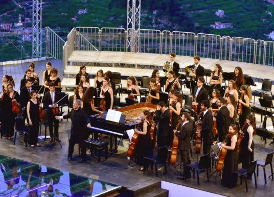 L'Orchestra Cherubini arbitro del confronto Cimarosa-Mozart: vince la musica